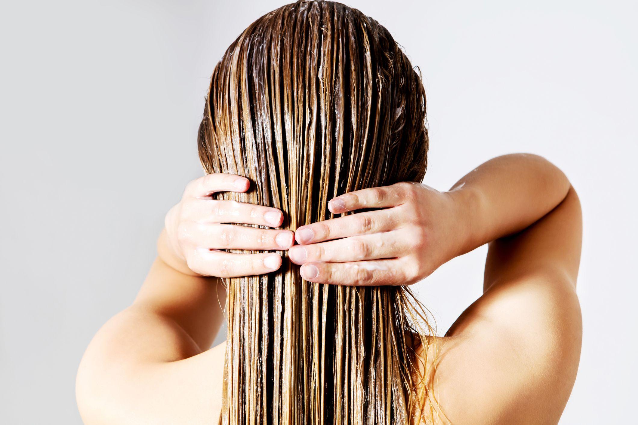 Cómo hacer una mascarilla casera para el pelo